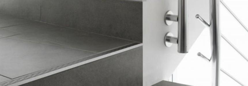 Blanke Treppen- und Sicherheitsprofile
