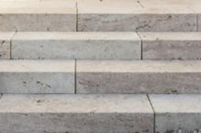 FB Travertin Nuvola Blockstufen beige getrommelt 100x35x15 cm